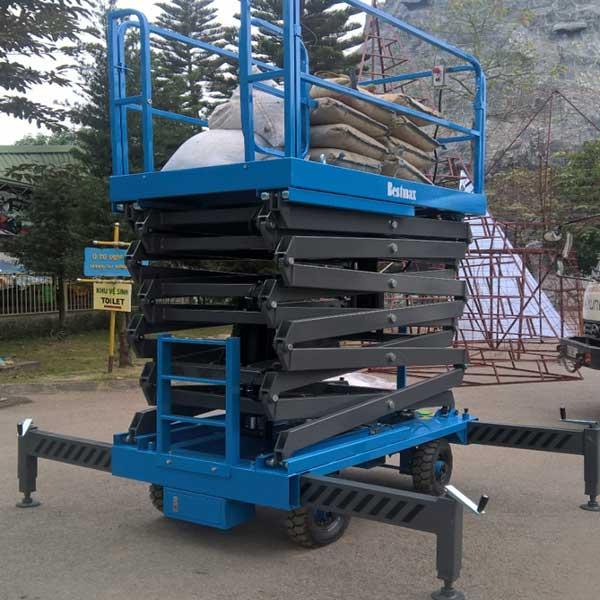 thang nâng 12m 500kg